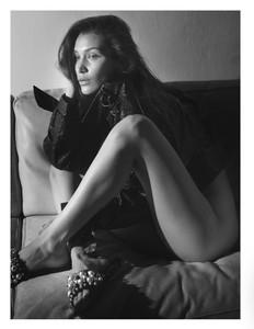 Bella-Hadid-Topless-In-Vogue-Magazine-%E2%80%93-Paris-Edition-x7bntf6ge7.jpg